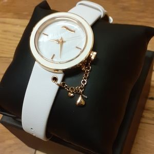HERSHEY WHITE LEATHER KISSES WATCH